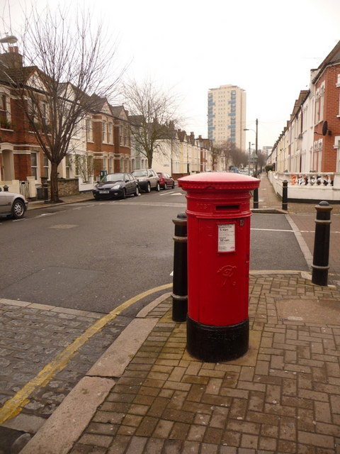Fulham: postbox № SW6 46, Stephendale Road