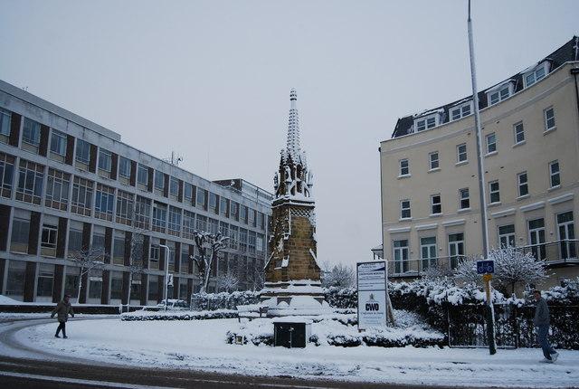 Canon Hoare Memorial, St John's Rd