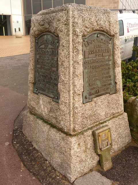 Bournemouth: Undercliff Drive monument