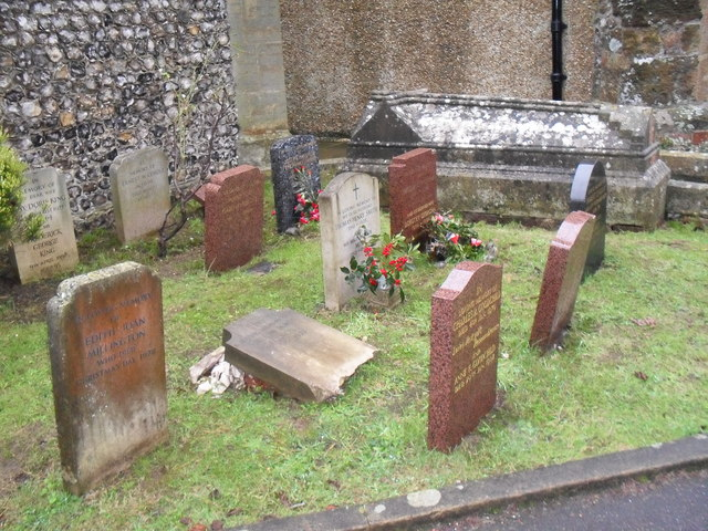 Rustington Churchyard (9)