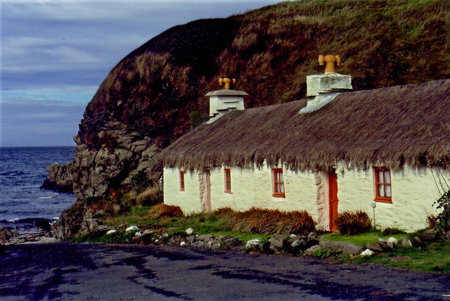 Niarbyl - Thatched cottage
