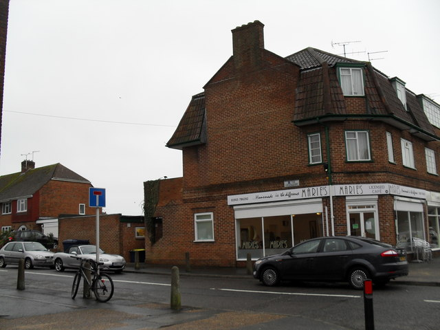 Marie's in The Grangeway