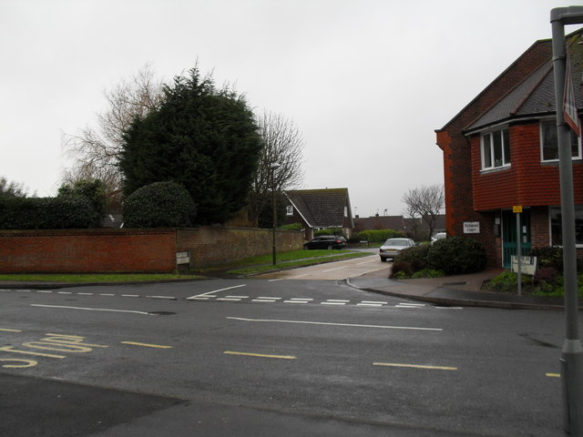 Looking from The Grangeway across Sea Lane towards Boxtree Avenue