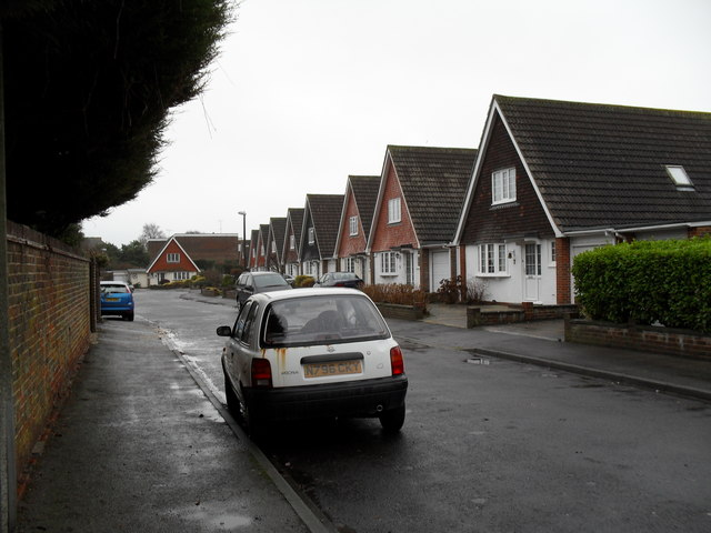Looking southwards down Boxtree Avenue