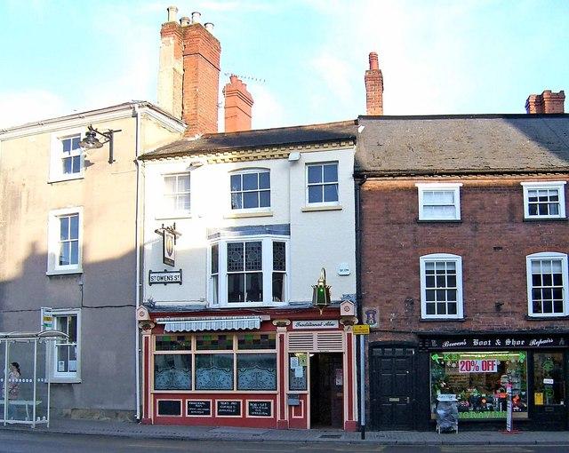 The Golden Fleece, 1 St. Owen's Street