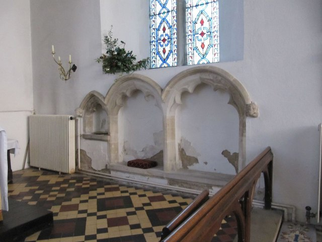 Alcoves in the chancel