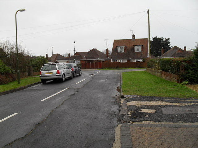 Looking down Tennyson Avenue towards The Crescent