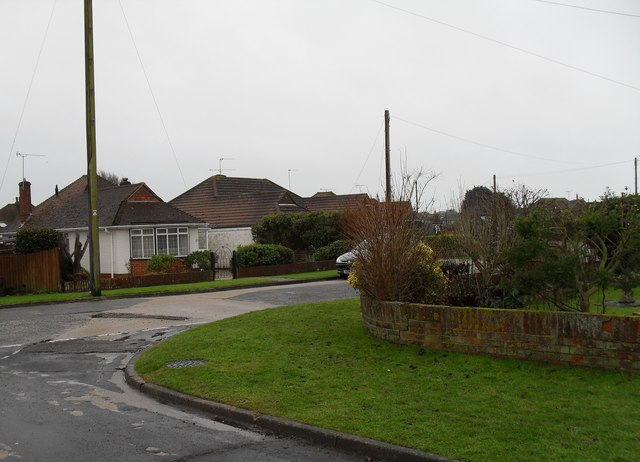 Looking from Tennyson Avenue towards bungalows in The Crescent