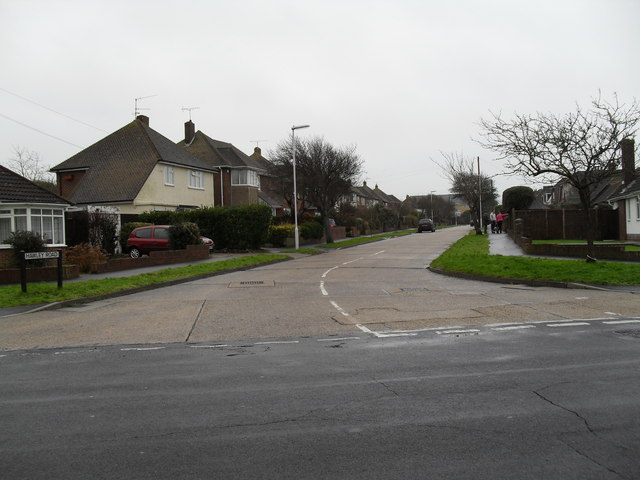 Looking from The Crescent into Hawley Road