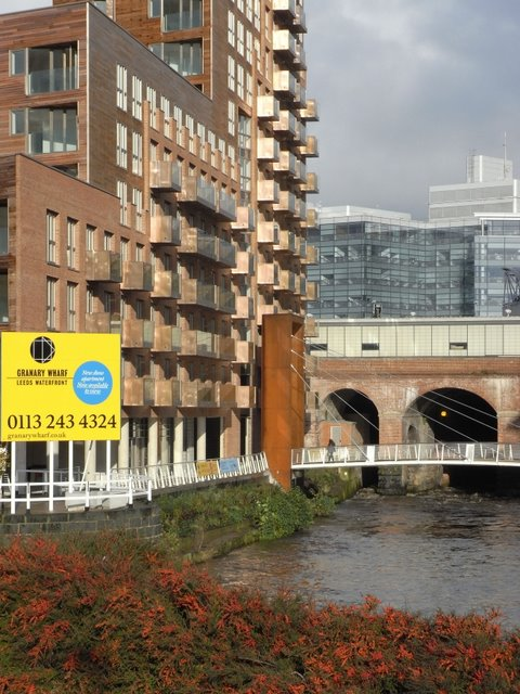The new Granary Wharf building with railway behind