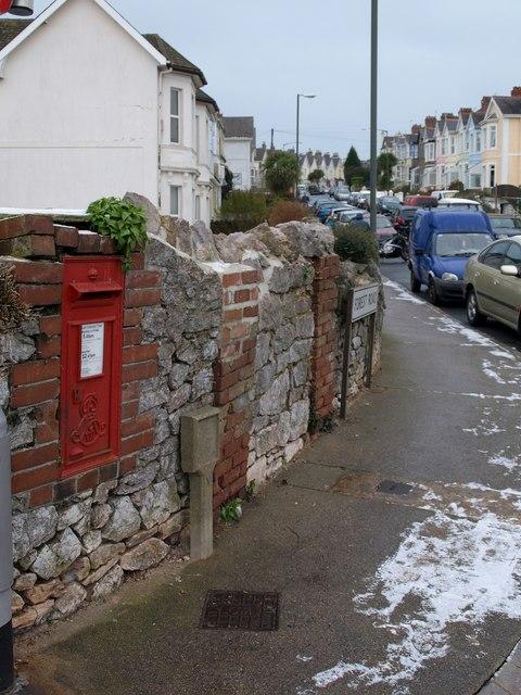 Postbox, Shirburn Road, Torquay