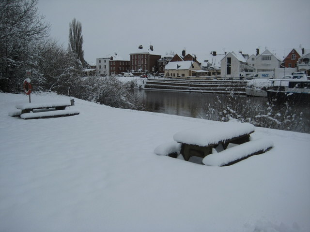 Picnic tables in snow, Upton-upon-Severn