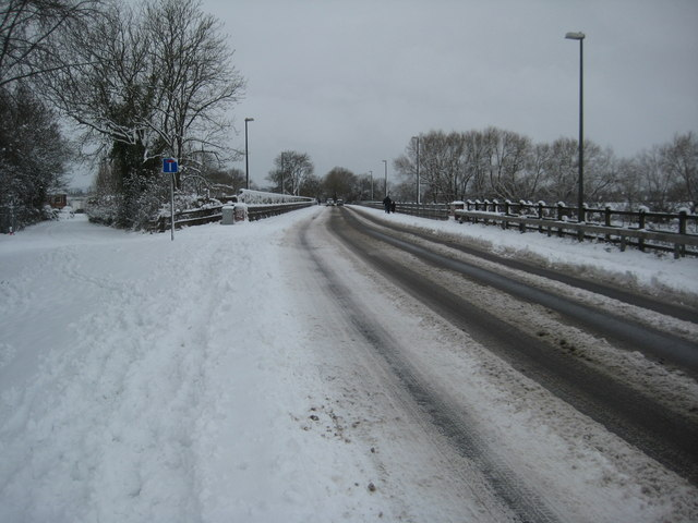 Old and new roads into Upton-upon-Severn