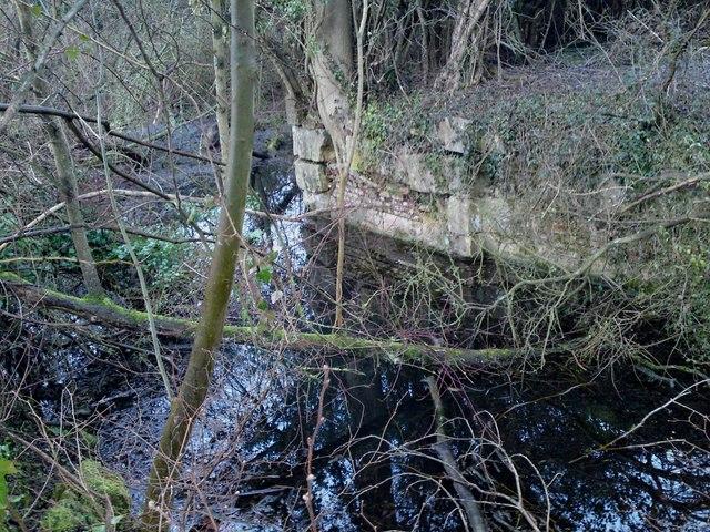 Itchen Navigation Canal Brickwork Remains