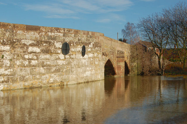 Floodwater at Marton old bridge (2)
