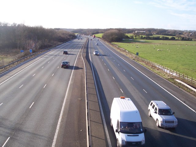 The M25 Motorway heading west to Junction 6