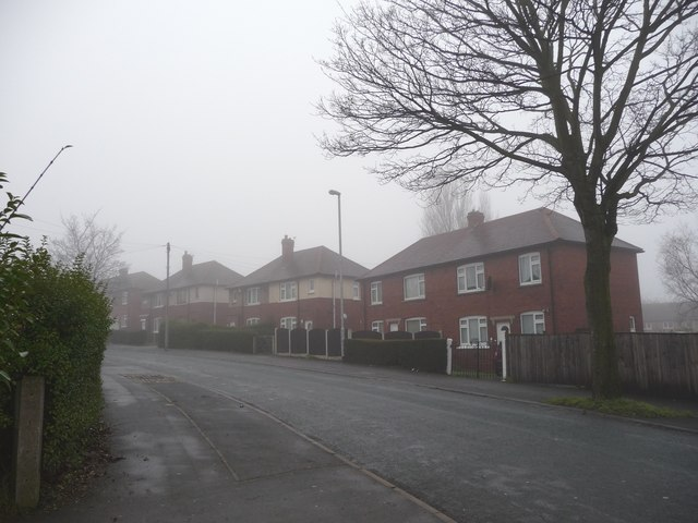Watson Crescent, from Queen Elizabeth Road