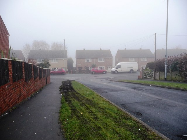 Junction of Irwin Avenue and Warmfield View, Eastmoore