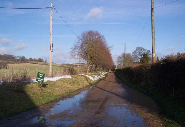 Access road to Court Lodge Farm