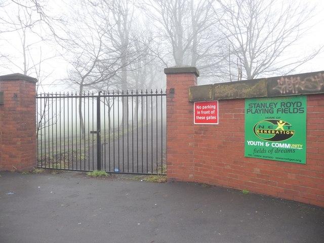Locked gates, Eastmoor Road
