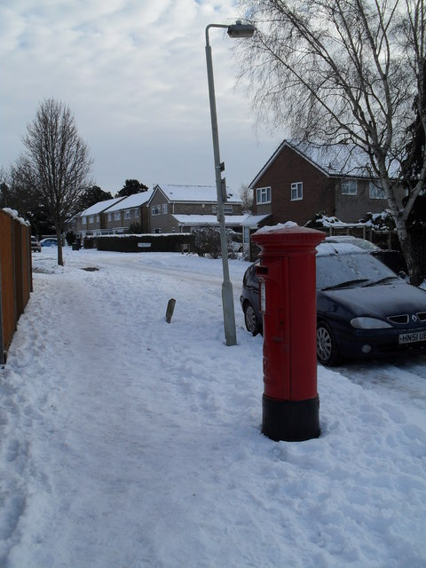 Postbox in a snowy Tavistock Gardens