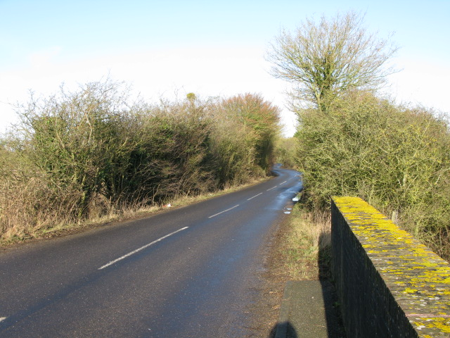 Looking N along the Aldington to Smeeth road