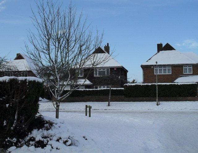 Looking from Bedford Close into a snowy Pook Lane