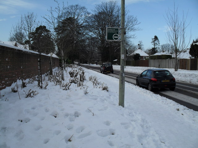 Heavy snow in Emsworth Road