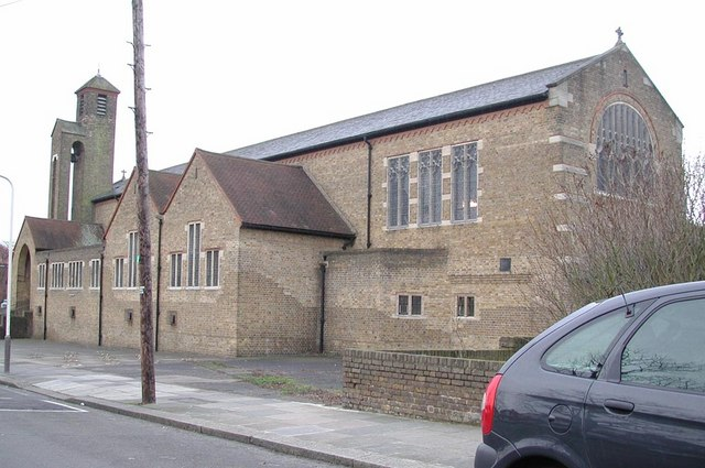St Barnabas, The Fairway