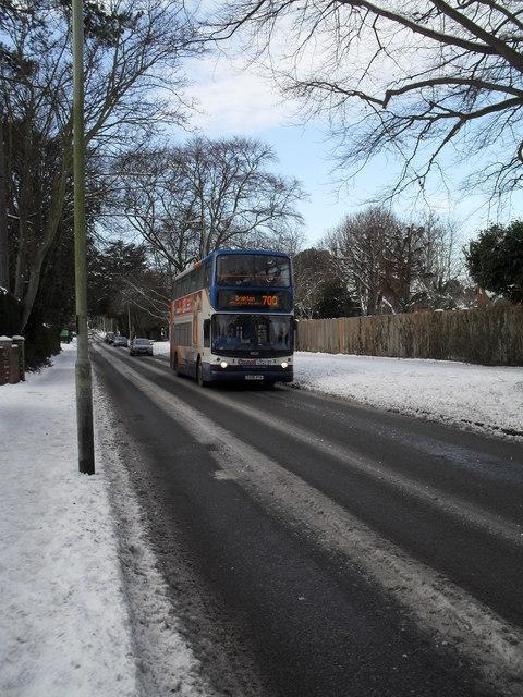 700 bus in a snowy Emsworth Road
