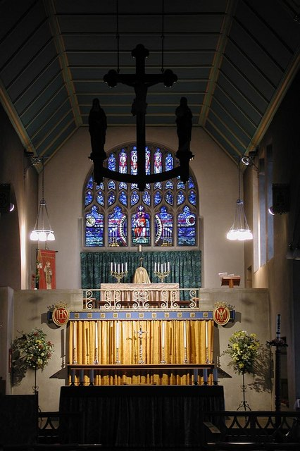 St Barnabas, The Fairway - Sanctuary