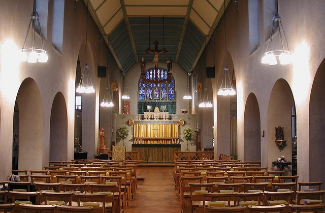 St Barnabas, The Fairway - East end