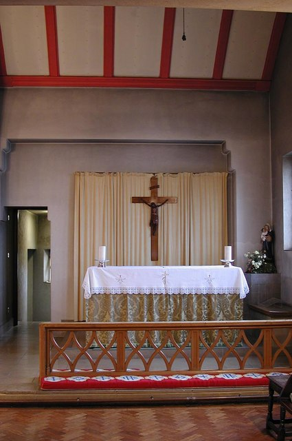 St Barnabas, The Fairway - Lady Chapel