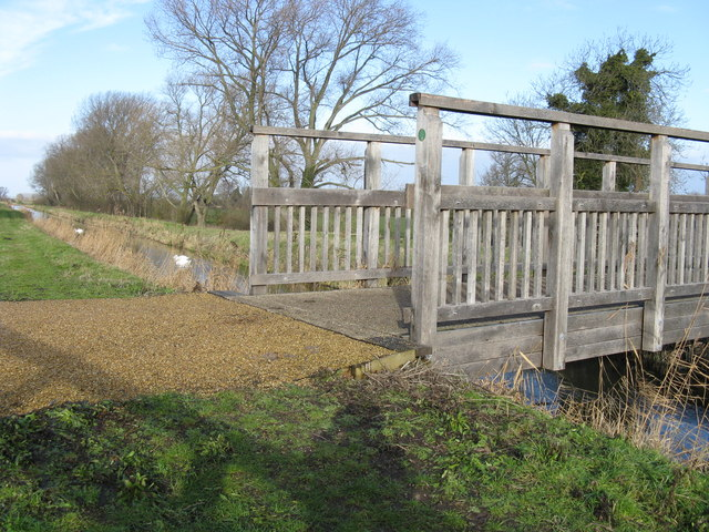 Cycle bridge across Swaffham Bulbeck Lode