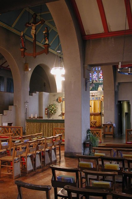 St Barnabas, The Fairway - Interior