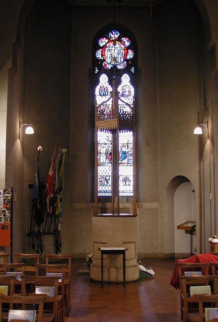 St Barnabas, The Fairway - Font
