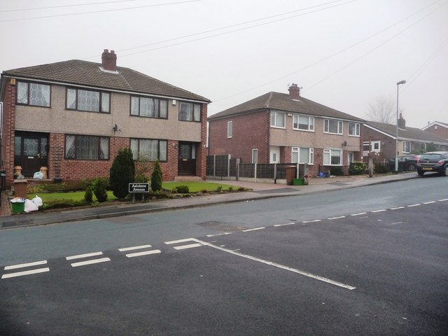 Ashdene Avenue, at the junction with Ashdene Approach