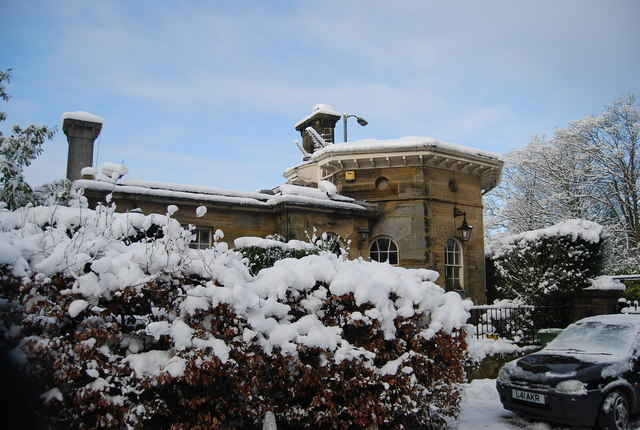 Lodge, Calverley Park