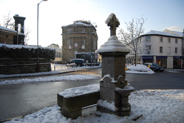 Water Trough & Fountain, Calverley Rd