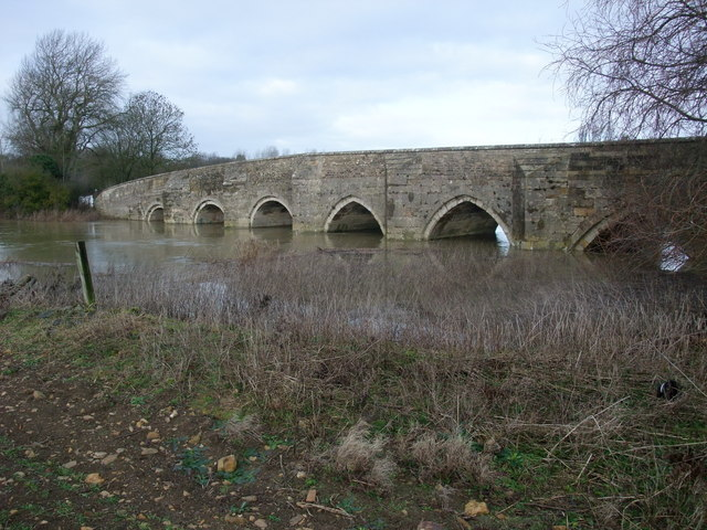 A swollen Welland passing beneath Collyweston Bridge