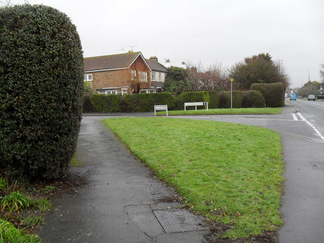 Approaching the junction of  Sea Lane and Hardham Close