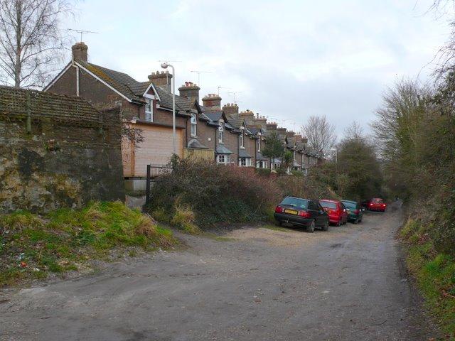 York Terrace, Barnes Way (unadopted)
