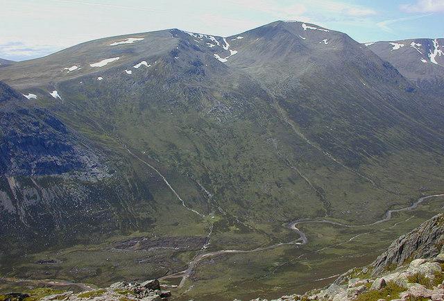 View towards Cairn Toul