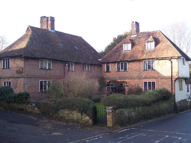 Chapmans Farm and Well Cottage