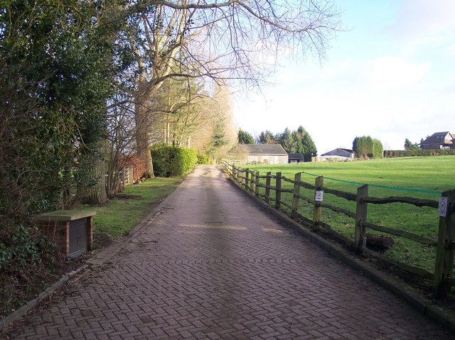 Access road to Sundridge Place Farm
