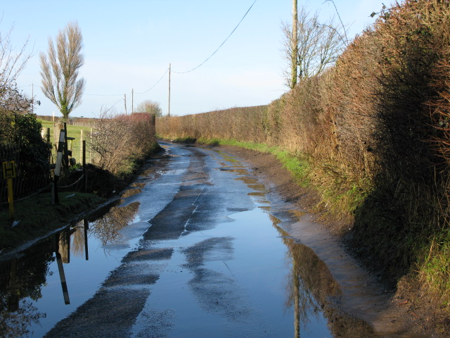 A wet Bank Road