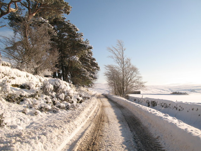 The minor road between Allendale and Sinderhope in the snow (2)