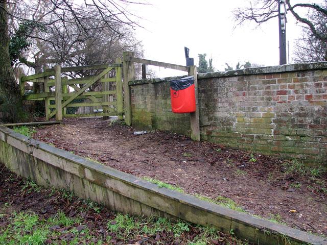 Start of a footpath
