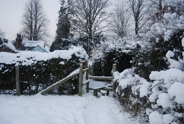 Stile on the Wealdway near Stockland Green