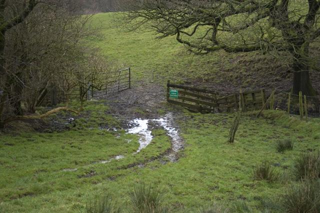 Footpath to Burns Farm